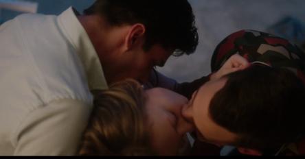 Escena de amor de la serie española Netflix 'Elite'